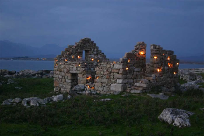 Memorial to the Islanders III, intervention, candles, 2007